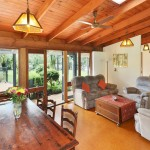 Maleny Accommodation McCarthy Lake House for rent Lounge and dining area