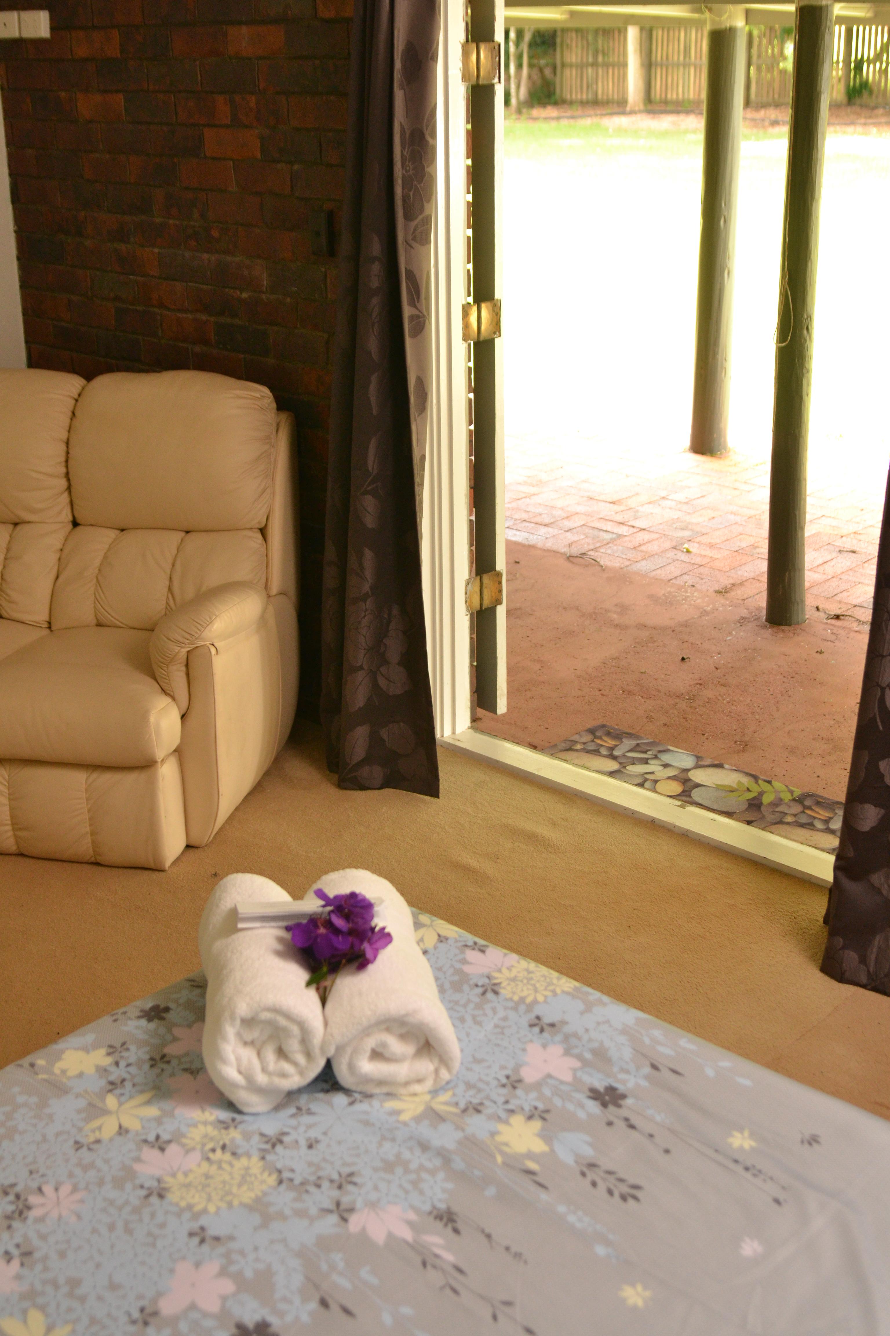 Lake House Bedroom Maleny Motel Mccarthy Lake House Lake Setting