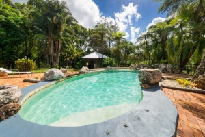 Holiday House Maleny includes Swimming Pool