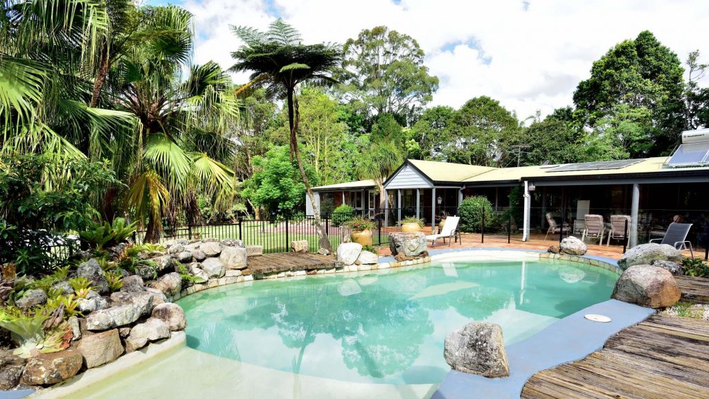 Maleny Accommodation with swimming pool